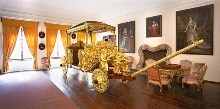 Český Krumlov Chateau - This golden coach is a reminder of the diplomatic trip to the Vatican taken by Jan Antonin I. of Eggenberg in 1638, photo by: Archiv Vydavatelství MCU s.r.o.