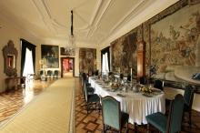 Český Krumlov Chateau - Baroque dining room, photo by: Archiv Vydavatelství MCU s.r.o.
