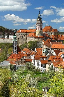 Český Krumlov - The Latrán with the New-Town Gardens in the foreground, photo by: Archiv Vydavatelství MCU s.r.o.