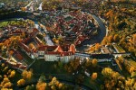 Český Krumlov - The disposition of the medieval town is defined by the meanders of the Vltava River, on whose banks two independent urban complexes were created: Latrán by the outer bailey and the inner town with a regular-shaped urban plan, photo by: Archiv Vydavatelství MCU s.r.o.