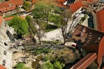 Český Krumlov Chateau - View of the bear pit and the 1st courtyard from the Tower, photo by: Archiv Vydavatelství MCU s.r.o.