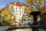 Český Krumlov Chateau - The fountain on the 2nd courtyard, photo by: Archiv Vydavatelství MCU s.r.o.